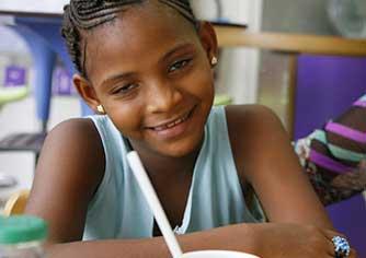 Opération de Betty - La première des 50 enfants guinéens accueillis par la suite à Marseille en milieu hospitalier